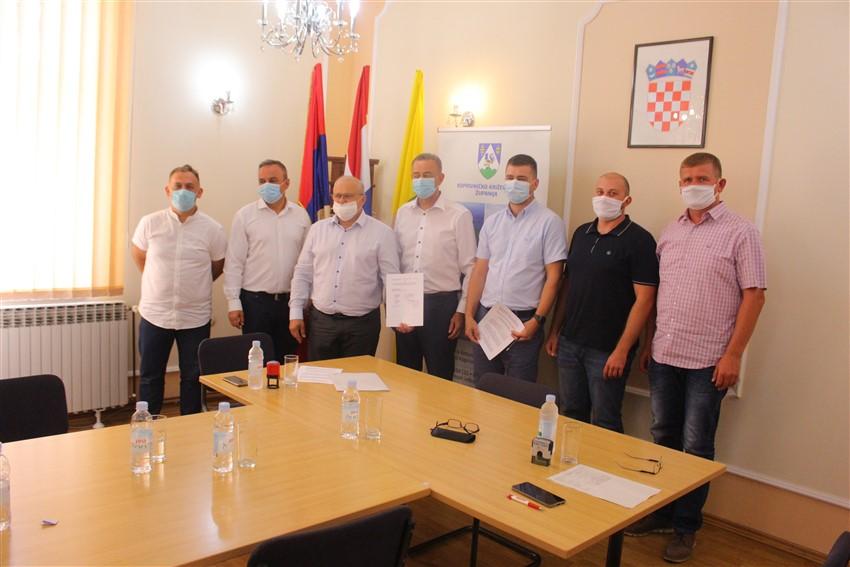 Svečano potpisan ugovor o početku izgradnje školsko-sportske dvorane u Svetom Ivanu Žabnu